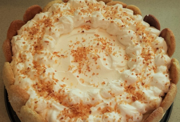 Whipped cream doesn't give an exact pattern, but it IS decorative!